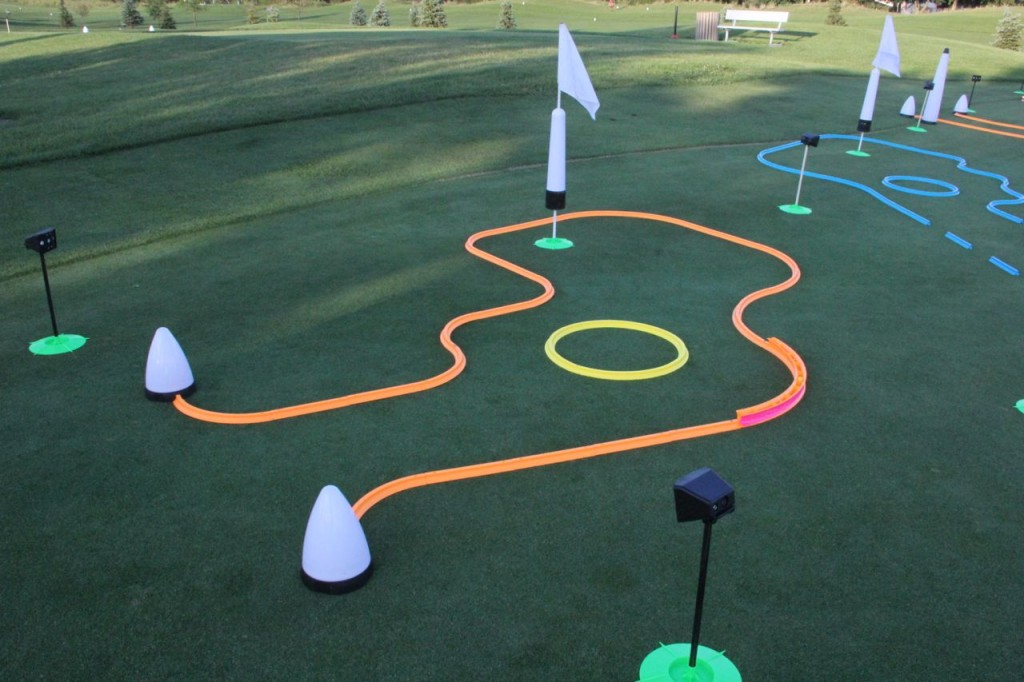 glow in the dark putting track