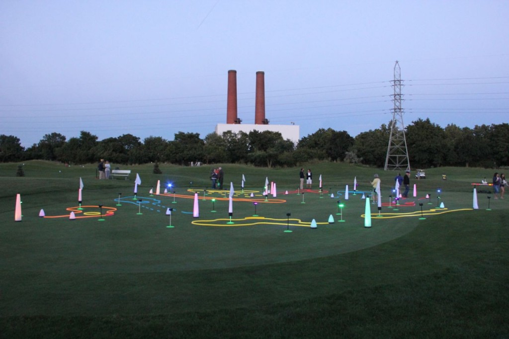 night golf putting course