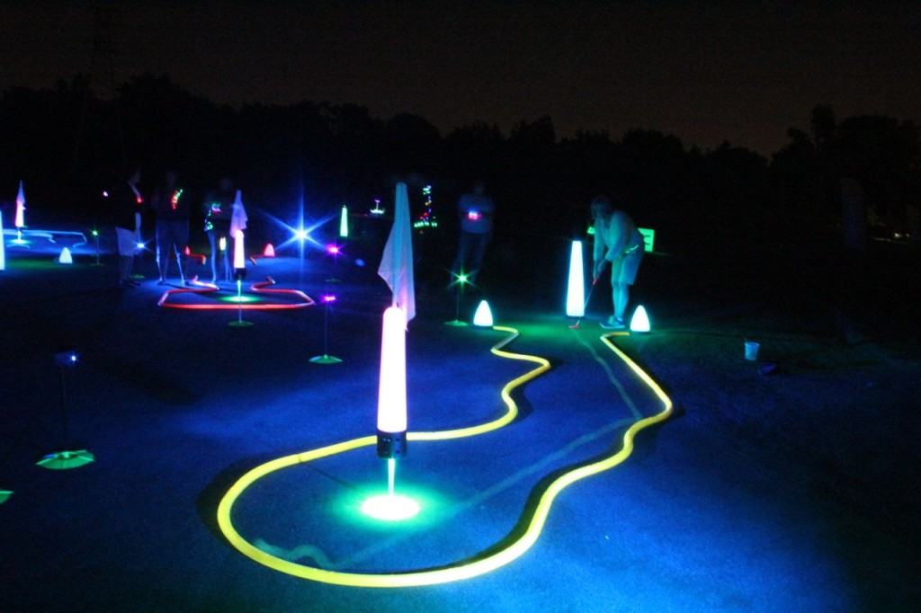 night golf course events