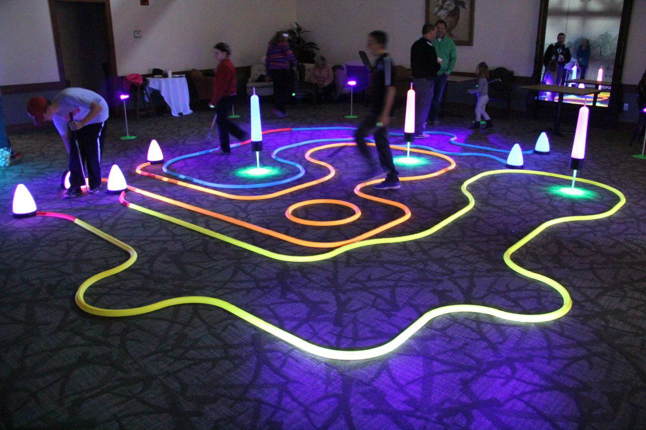 indoor golf putting games