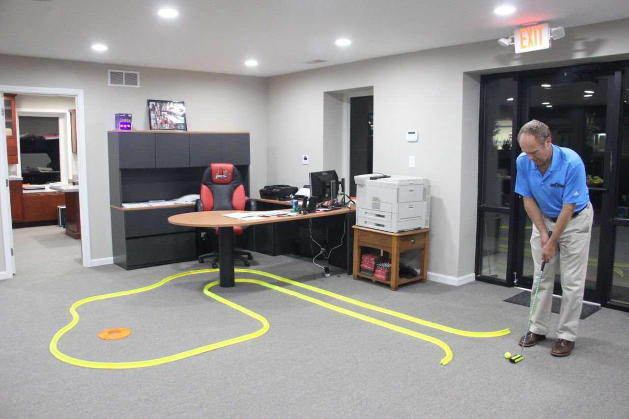 Office golf cosmic night golf for Office design game