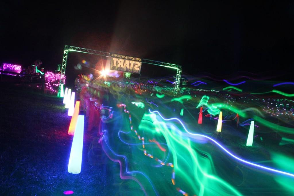 neon glow run start party