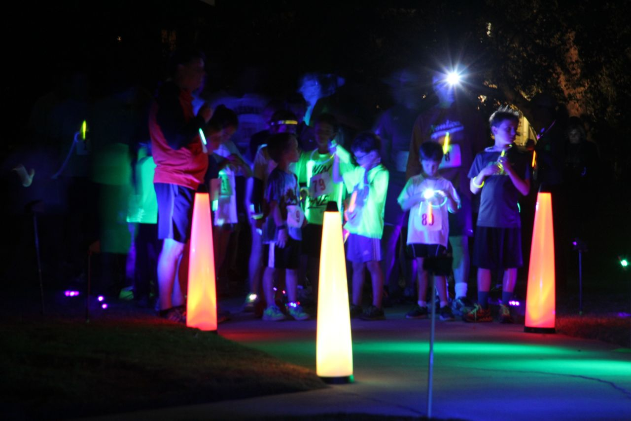 Glow run start line lighting